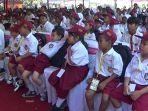 anak-anak-dari-jenjang-sekolah-dasar-sd-menerima-kip_20170526_132604.jpg