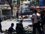 anggota-kepolisian-bersiap-meledakkan-bom-sisa-di-gereja-pantekosta-pusat-surabaya-gpps_20180513_134439.jpg