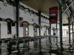 banjir-di-stasiun-tawang-semarang.jpg