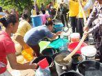 bantuan-air-bersih-yang-di-berikan-polres-karanganyar-pada-dukuh-dukuh-dan-dukuh-ngrawan.jpg