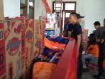 bantuan-logistik-dari-bpbd-solo-siap-dikirim-ke-dapur-umum-kawasan-terdampak-banjir_20161129_152119.jpg