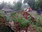 bencana-tanah-longsor-di-kelurahan-giripurwo-wonogiri-rabu-25122019.jpg