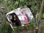 bus-solaris-kecelakaan-tawangmangu_20170226_164102.jpg