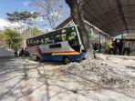 bus-tabrak-truk.jpg