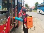bus-yang-disemprot-disinfektan-di-terminal-tipe-a-giri-adipura-wonogiri-y.jpg