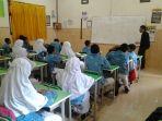 dalami-bahasa-arab-siswa-program-khusus-smp-muhammadiyah-1-ikuti-pelatihan_20170126_123222.jpg
