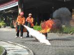 damkar-kebakaran_20170317_184240.jpg