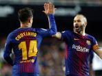 dua-pemain-barcelona-philippe-coutinho-dan-andres-iniesta_20180209_080652.jpg