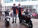dua-pembalap-honda-marc-marquez-dan-dani-pedrosa_20171117_174435.jpg