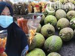 emilik-stik-sukun-nur-novita-sari-40-menunjukan-produk-olahan-makanan-ringan-dari-buah-s.jpg