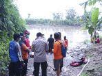 evakuasi-jasad-di-sungai-bengawan-solo.jpg