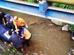 evakuasi-mayat-yang-ditemukan-di-bawah-jembatan-di-banyumas.jpg