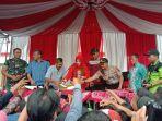 festival-durian-di-lapangan-desa-randulanang-kecamatan-jatinom-kabupaten-klaten.jpg
