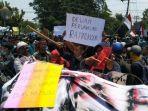 foto-foto-demo-mahasiswa-yang-menuntut-pemerintah-dan-dpr.jpg