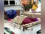 gambaran-mobil-kap-terbuka-yang-digunakan-untuk-menampung-pasien.jpg