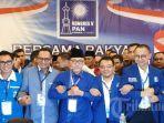 i-hasan-ketiga-kiri-usai-terpilih-sebagai-ketua-umum-partai-amanat-nasional-pan-pe.jpg