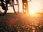 ilustrasi-bersepeda-pagi.jpg