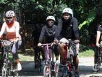 ilustrasi-komunitas-brompton-riders-bekasi-broder-saat-bersepeda.jpg