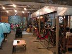 indoor-cafe-plawangan.jpg
