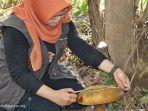 jamur-raksasa-di-taman-biodiversitas-desa-wisata-anjir-muara-kabupaten-barito-kuala-batola.jpg