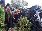 kecelakaan-kereta-di-tegal_20180628_172413.jpg