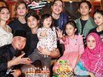keluarga-ahmad-dhani-dan-mulan-jameela.jpg
