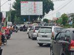 kemacetan-parah-di-kawasan-palang-joglo-kelurah.jpg