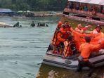 kolose-detik-detik-perahu-terbalik-dan-evakuasi-oleh-tim-gabungan-di-waduk-kedung-ombo.jpg