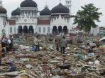 kondisi-puing-puing-bangunan-usai-musibah-tsunami-aceh-26-desember-2004.jpg