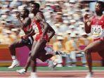 legenda-sprinter-amerika-serikat-carl-lewis-dua-dari-kiri_20170801_125744.jpg