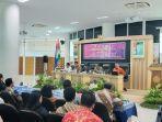 mahfud-md-saat-mengisi-seminar-di-ums-selasa-8102019.jpg