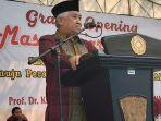 mantan-ketua-pp-muhammadiyahdin-syamsuddin-saat-mengisi-acara-masta-pmb-ums-2019.jpg