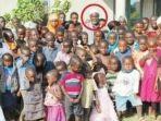 mischek-nyandoro-pria-beristri-16-dari-zimbabwe.jpg