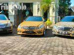 mobil-mewah-yang-ditempeli-stiker-batik-di-museum-batik-danar-hadi-solo-di-jalan-sl.jpg