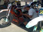 motor-trail-persiapan-lomba-motorcross-championship-di-sirkuit-bumi-sonorejo.jpg