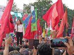 nella-kharisma-meramaikan-kampanye-jokowi-maruf-amin-di-stadion-sriwedari-solo-selasa-942019.jpg
