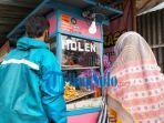 pedagang-molen-mini-khas-tawangmangu-karanganyar.jpg