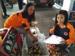 pegawai-bpbd-solo-mempersiapkan-bantuan-logistik-untuk-sejumlah-kawasan-terdampak-banjir_20161129_170217.jpg