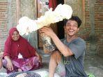 penampakan-jamur-raksasa-di-lombok-tengah.jpg