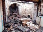 penampakan-rumah-yang-ludes-terbakar-di-pemukiman-padat-penduduk-jalan.jpg