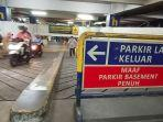 penanda-parkir-penuh-diletakkan-di-akses-masuk-parkiran.jpg