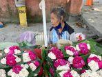 penjual-bunga-tabur.jpg