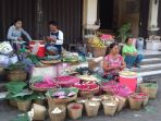 penjual-bunga-tabur_20170524_083637.jpg
