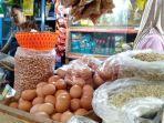 penjual-telur-di-pasar-gede-solo.jpg