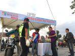 peserta-program-mudik-balik-bareng-honda-mbbh-2019-saat-mengambil-kendaraan.jpg
