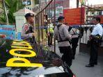 polisi-berjaga-pascabom-bunuh-diri-di-mapolrestabes-medan-sumut-rabu-13112019.jpg