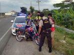 polisi-mengamankan-satu-sepeda-motor-saat-patroli-balap-liar-di-ring-road-sroyo-jaten-karanganyar.jpg