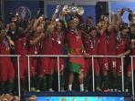 portugal-setelah-menjadi-juara-piala-eropa-2016_20160711_060527.jpg