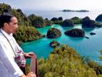 presiden-joko-widodo-di-pulau-pianemo-raja-ampat-papua_20161113_123924.jpg