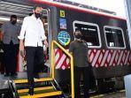 presiden-jokowi-turun-dari-kereta-rel-listrik-krl-solo-jogja-di-stasiun-klaten-senin.jpg